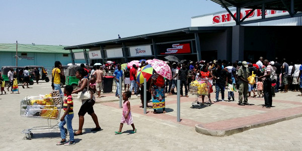 A recently-opened shopping mall in Tete, Mozambique
